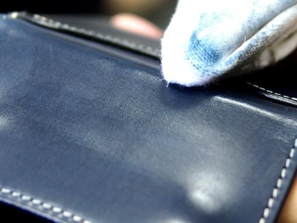 革の色落ちを防止する方法