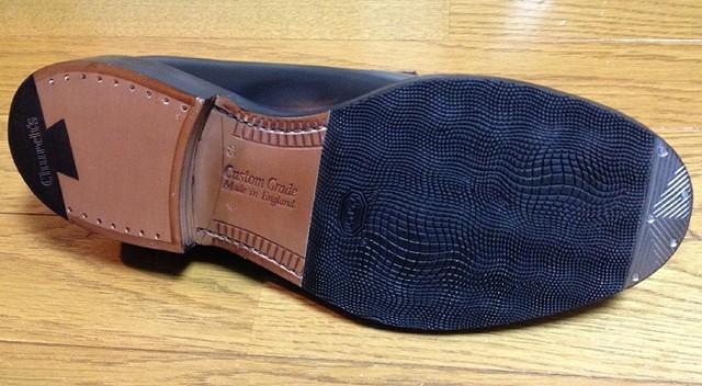 新しい革靴の返りをきれいに作る方法